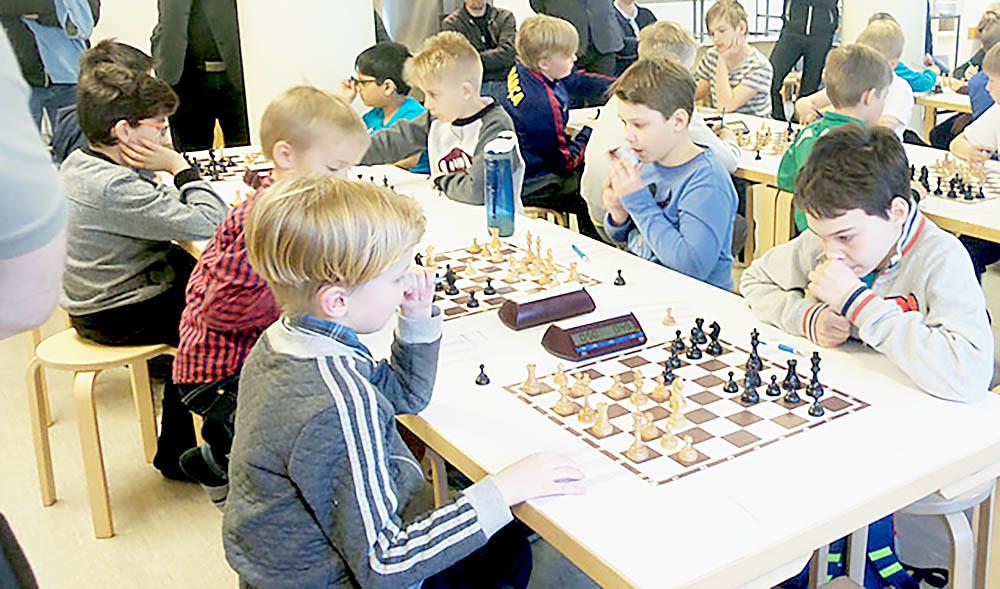 Koulujoukkueiden mestaruudet eri puolille Suomea